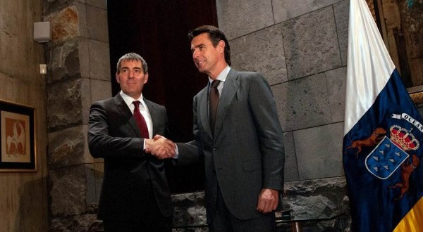 Canarias intenta atar el REF económico con el Gobierno central en funciones